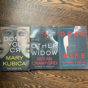 Other - Lot of 3 chiclit / paperback mystery books